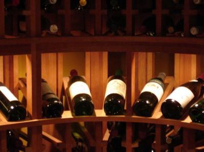 wine-rack-display-row-lighting